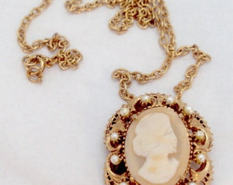 Gorgeous Florenza Cameo Pin Pendant with Faux Pearls with Tag