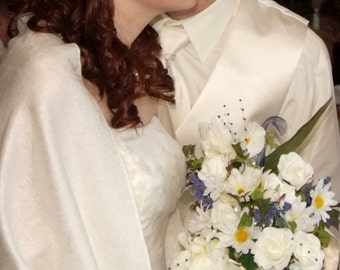 Wedding accessories Cascade bridal Bouquet Wedding Flowers Artificial Bouquet realistic daisy roses cascading pearls rhinestones