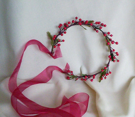 Bridal Hair Wreath bride halo Red vine Berry Flower crown Headpiece Fairy circlet Winter Wedding hair wreath accessories Woodland Headdres