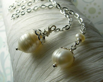 HALF PRICE Lasso A Seahorse - white pearl necklace / lariat necklace  / pearl necklace / bridal jewelry / pearl jewelry /freshwater pearl