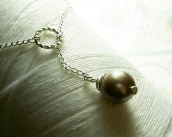 Ol Ball and Chain - pewter pearl necklace / lariat necklace / grey pearl necklace / pearl necklace / gray pearl necklace / bridal jewelry