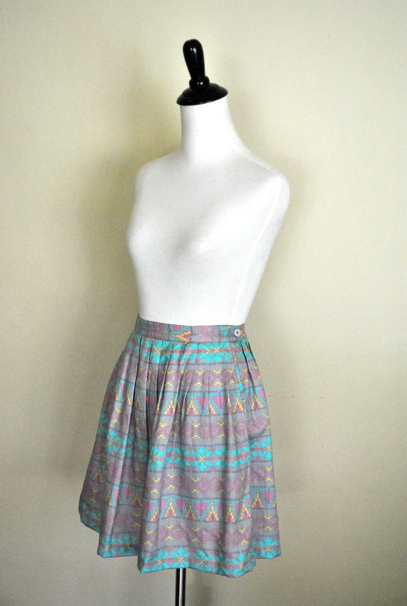 1980s Southwestern Print Skirt/ Gray Printed Mini Skirt with Pockets/ Size Large