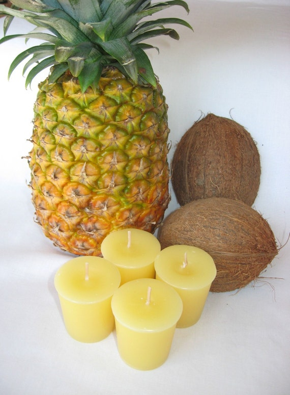 PINA COLADA (4 votives or 4-oz soy jar candle)
