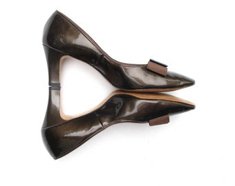 60s Brown Green Patent Pumps Bow Smartaire 7.5 B