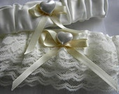 Ivory Wedding Garter Set, hearts & lace bridal garter, ivory lace and ribbon, keepsake garter, toss garter -- size M