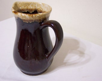 Pitcher Brown Drip Roseville RRP CO
