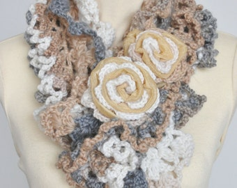 RUFFLE  - Cream - Crochet Multicolor Ruffle Scarf WZ Rose Applique