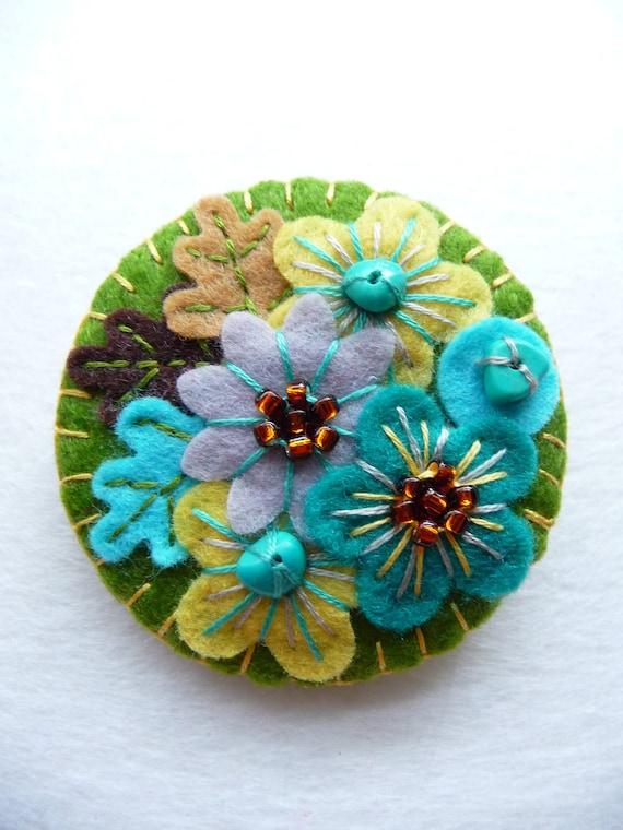 FB063 -  Japanese Art Inspired Handmade Mini Felt Brooch - Olive - Made to order