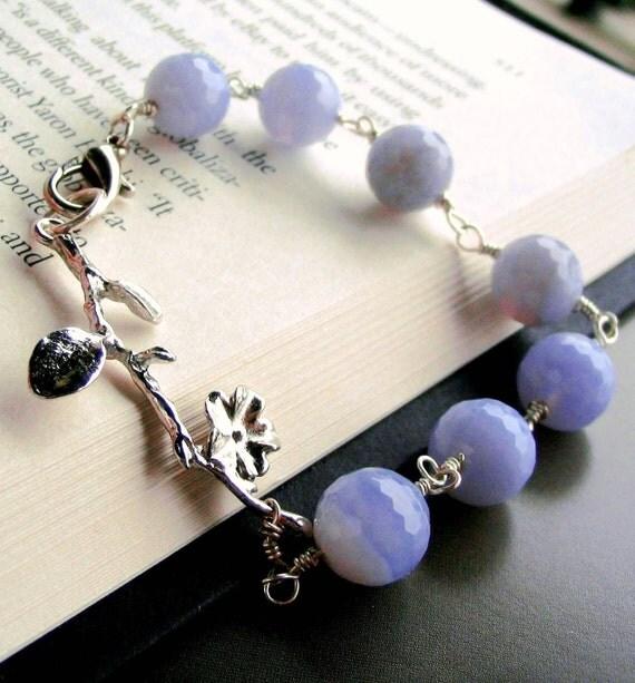 Silver Flower Leaf Tree Branch Bead Bracelet Lavendar Lilac Blue Lace Agate Chalcedony Bridesmaid Gift Botanical Jewelry Friendship Bracelet