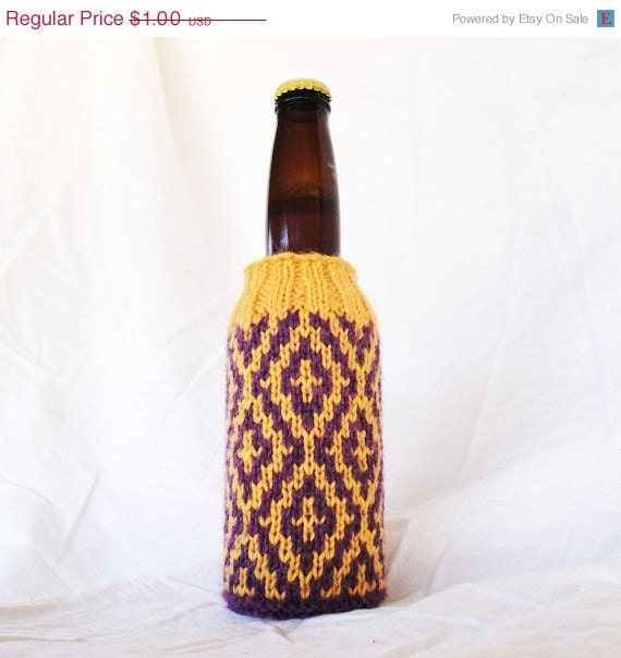 Knit Koozie Pattern : Items similar to PDF Knitting Pattern - Diamonds Beer Koozie on Etsy