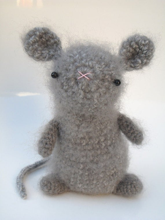 Amigurumi Mouse Cat Toy : Mouse toy crochet pattern pdf