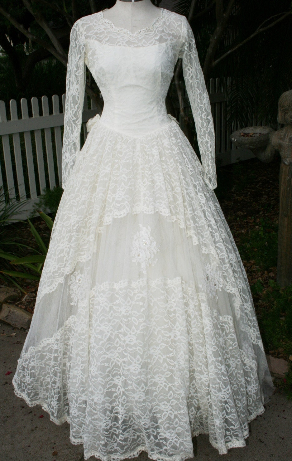 Vintage Wedding Dresses From The 1950 S : S wedding gown cupcake chantilly lace vintage