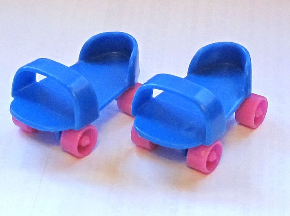 Doll Roller Skates Pair Blue with Pink Wheels for a Small Doll