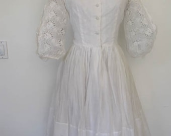 CLOUD NINE // white cotton lace puffy split sleeve 1950s dress S / M