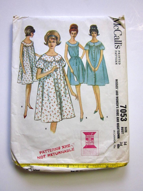 Mad Men Era Size 14 Misses and Womens Robe and Nightgown 60s McCalls Pattern 7053 / bust 34 / Complete