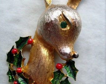 Vintage Holiday Reindeer Christmas Brooch Demure Deer Cheer Party Jewelry