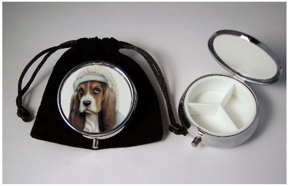 Basett Hound Dog Pill Box silver tone 3 compartments with black velour pouch