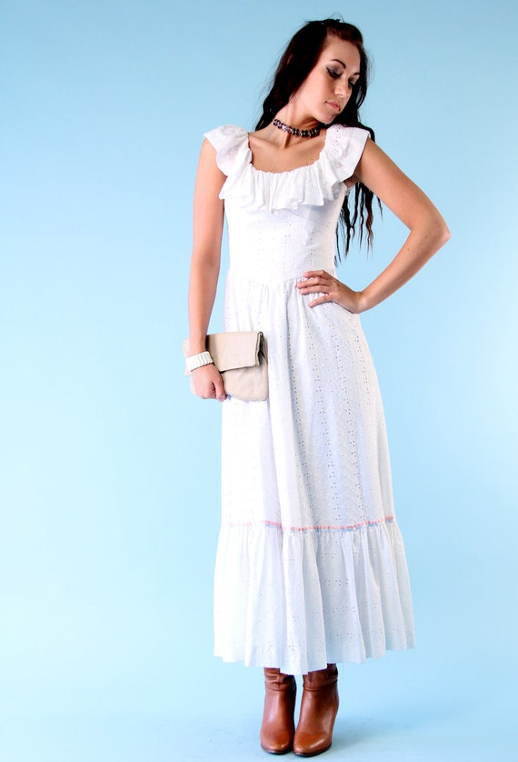 Vintage Ruffle Maxi Dress 70s White Eyelet Lace Prairie Romantic Boho Country - Small xs
