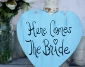 Sign Here Comes The Bride Rustic Hand Painted Distressed Wood Heart (Item Number 140283)