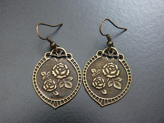 Shield Earrings, Medieval, Renaissance, Victorian Rose Jewelry, Heraldic, Wedding Bridal Bride, Historical Fanasy Fairytale Gothic Jewellery
