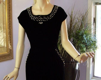 Vintage 50s Dress Black Velvet Party Cocktails Evening Sexy Wiggle  Dress w Rhinestones Pearl