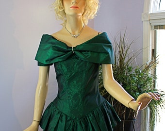 Vintage 80s Party Dress Emerald Green Off Shoulder Taffeta Dress w Flounced Peplum