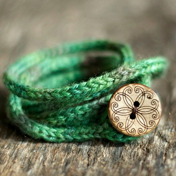 Rustic I Cord Wrap Bracelet - Button Closure - Hand Dyed Wool Yarn - Green