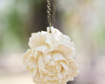 FINAL CLEARANCE Cream Ivory Peony Flower Necklace // Bridesmaid Gifts // Rustic Wedding - Milk and Honey