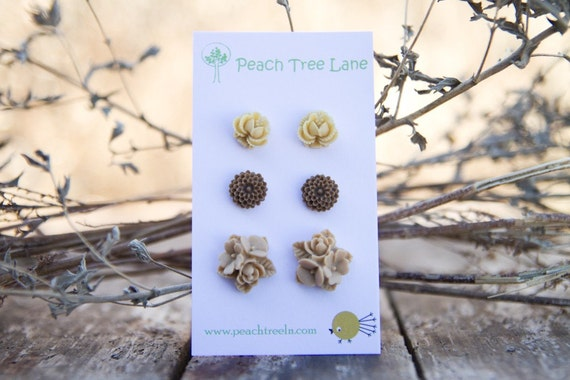 ENTIRE SHOP SALE (See shop announcement) Brown Chrysanthemum Flower Post Earrings // Tan Rose Earrings // Bridesmaid Gifts