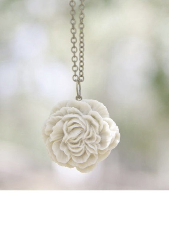 Cream Ivory Peony Flower Necklace // Bridesmaid Gifts // Country Wedding // Bridesmaid Necklace