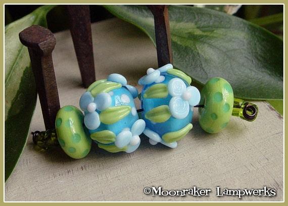 Hawaii Floral Pair - Lampwork Beads