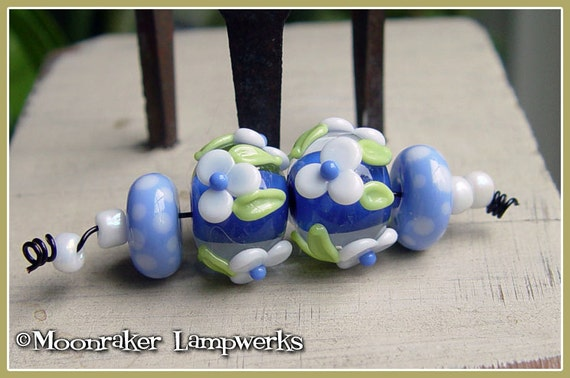 Winter Blue Floral Pair - Lampwork Beads