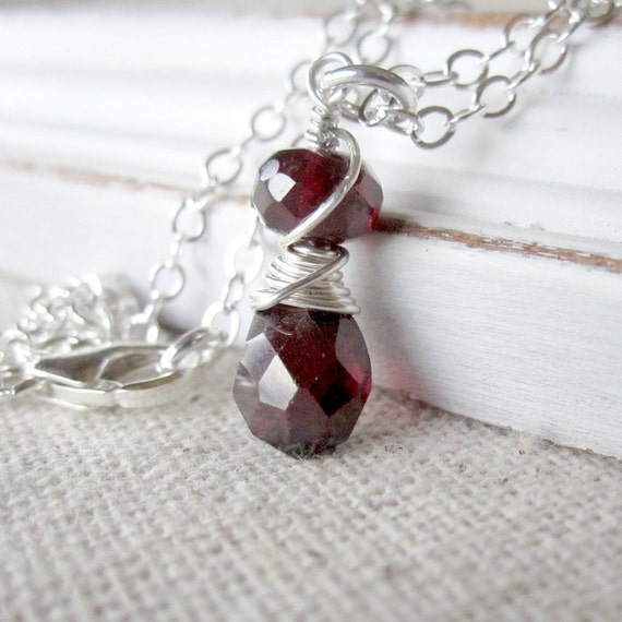 January Birthstone Necklace, Sterling Silver Garnet Necklace, Garnet Pendant, Garnet Necklace Silver, Small Gemstone Necklace, Push Gift