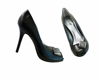 Black GUESS Stilettos w Peep Toes // Size 9 // Platform w 4 1/2 Inch Heel  // Retro Mid Century Leather w Silver Embellishment