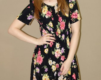 Vintage Floral Pleated Dress