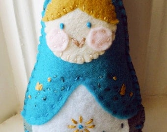 Embroidered Felt Matryoshka Doll Plushie - INSTANT DOWNLOAD - Sewing Pattern PDF