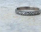Silver Floral Ring Antique Wedding Band Vintage Style Wedding Ring Thin Floral Wedding Band Promise Ring Posey Ring Simple Wedding Band