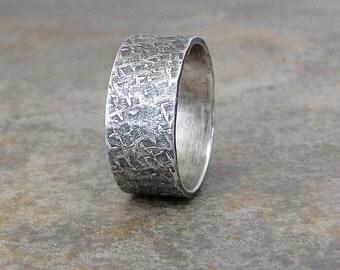 Mens Wedding Band Rustic Wedding Ring Silvert Distressed Wedding Band Textured Wedding Ring Rustic Wedding Bands Unique Rings- Diamond Plate