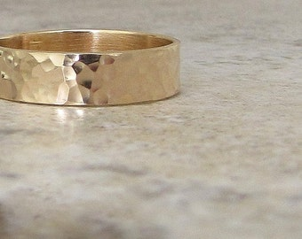 Mens Wedding Band Hammered Gold Wedding Ring Rustic Wedding Bands Unique Wedding Rings 14K Gold Band Engraved Personalized Wedding Bands