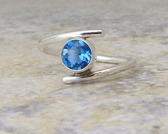 Blue Topaz Ring Silver London Blue Topaz Silver Ring Solitaire Engagement Ring December Birthstone Ring Gift for Her Mother's Ring
