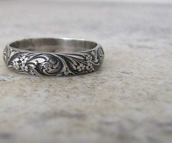 engraved antique wedding band floral pattern ring silver