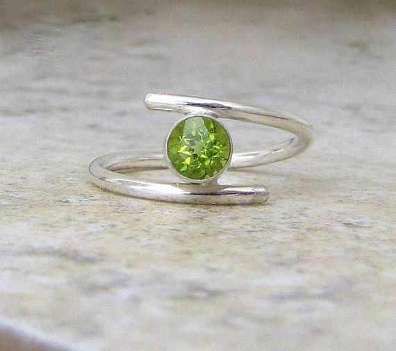 Peridot Silver Ring August Birthstone Mother's Ring Gift for Her Birthstone Ring Alternative Engagement Ring -Chartreuse Lime Green