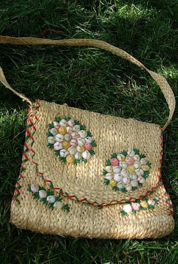 40s Vintage Island Souvenir Hand Made Shoulder Bag with Pastel SeaShells -on sale-