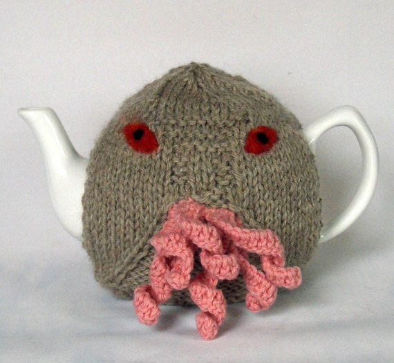 Ood Tea Cosy - a warm and fuzzy sweater for your teapot