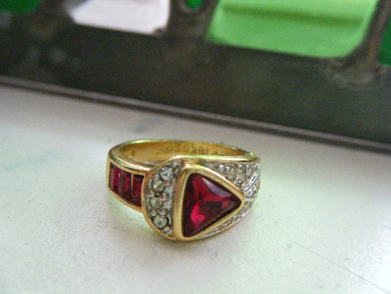 Vintage Ring 18K GE Red and Clear Rhinestones Size 4.5