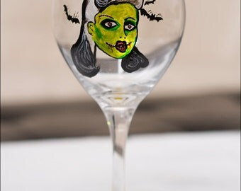 Pin Up Living Dead Girl -  Zombie Wine Glass