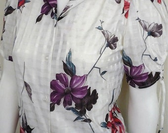 Vintage Women's 80's Blouse, White, Floral, Polyester, Short Sleeve (XS)