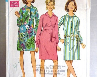 Vintage Sewing Pattern Women's 60's Simplicity 7426, Dress, Knee Length (S)