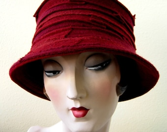 Multi red Cashmere hat. FREE SHIPPING in the US