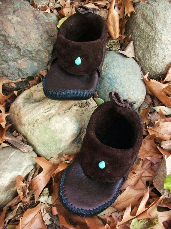 Clean Cut Inca Moccasin Hand Stitched Thick Bullhide Leather Upper With A Soft Durable Bull hide Sole / Renaissance Mens Womens Moccsains